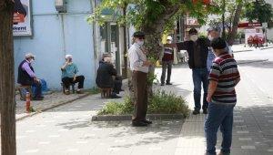 65 yaş üstü vatandaşlar sıcağa aldırmadı - Bursa Haberleri