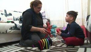 Ankara'da 2 çocuk annesi, çevreden gelen yardımlarla yaşamaya çalışıyor