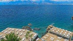 Antalya'da plaj ve kafeler açılıyor