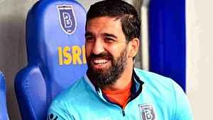 Arda Turan birçok kulüpten transfer teklif aldığını açıkladı