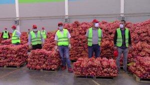 Belediye başkanından her haneye patates ve soğan yardımı