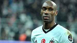 Beşiktaş'ta kalmak isteyen Atiba, yönetimin sunduğu teklife şaşırdı