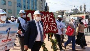 Birleşik Kamu İş Konfederasyonu Taksim'e çelenk bıraktı