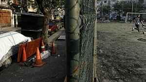 Brezilya'da koronavirüs sebebiyle ölen bir kişinin cesedi 30 saat sokakta bekletildi