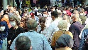 Bursa'da çarşı pazarda adım atacak yer kalmadı - Bursa Haberleri
