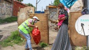 Bursalı çiftçi 100 ton soğanı ihtiyaç sahiplerine dağıttı - Bursa haberleri