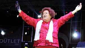 Cami hoparlörlerinden şarkısı çalınan Selda Bağcan'dan ilk açıklama