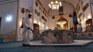 Camilerde cuma hazırlığı - Bursa Haberleri