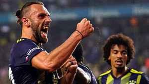Dünya devi, Fenerbahçe'nin maddi sıkıntısından yararlanıp Vedat için teklif yapacak