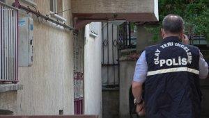 Emekli polis beylik tabancasını temizlerken kazara kendini vurdu