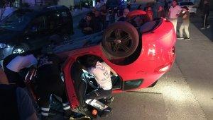 Eşinin kaza yaptığını görünce sinir krizi geçirdi