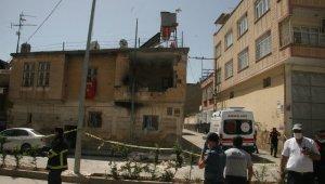 Evdeki tüp bomba gibi patladı: 3 yaralı