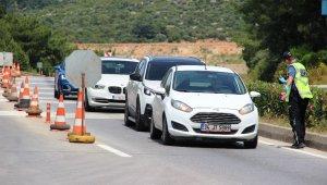 Giriş-çıkış yasağı kalkınca tatil bölgesine giren araç sayısı yüzde 25 arttı