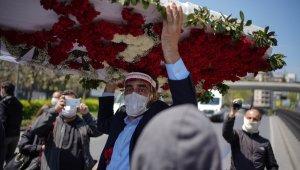 HDP, CHP ve TİP el ele... Taksim'e sosyal mesafeyi hiçe sayan ortak yürüyüş