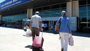 İçişleri Bakanlığı: 65 yaş ve üzeri ile refakatçileri dahil 258 bin 651 kişiye seyahat izni verildi