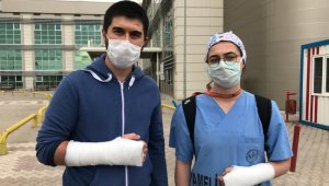 İki doktoru hastanede tekme tokat dövdüler