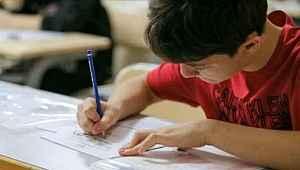 İlköğretim ve Ortaöğretim Bursluluk Sınavı 5 Eylül'e ertelendi
