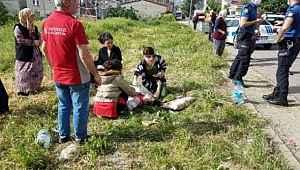 İstanbul'da bir kişi sokak ortasında karısını çeşitli yerlerinden bıçakladı