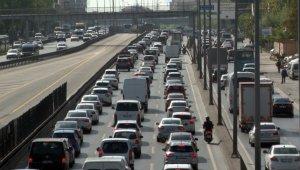İstanbul'da kısıtlamanın ardından trafik yoğunluğu