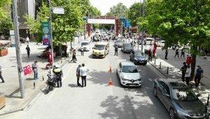 İstanbul'da uyarılara rağmen Bağdat caddesi doldu taştı