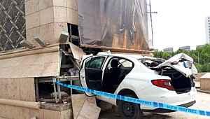 Jandarmanın DUR ihtarına uymayan sürücü şehrin girişine ok gibi saplandı: 1 kişi öldü