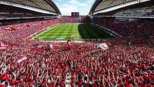 Japonya'da seyircisiz futbol maçları için uzaktan tezahürat uygulaması başlıyor