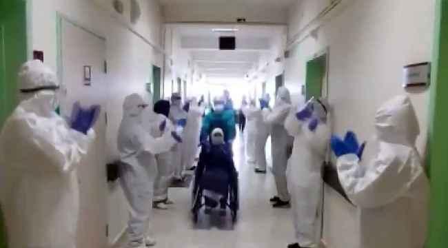 Korona virüs tedavisi biten 4 hasta sağlık çalışanları tarafından alkışlarla uğurlandı