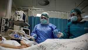 Koronavirüs hastalarıyla ilk temas eden hastanenin başhekiminden sevindiren açıklama