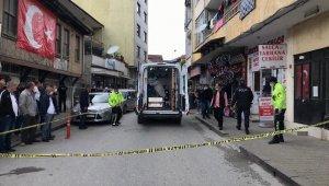 Mahalle muhtarının silahla vurduğu kişi hayatını kaybetti