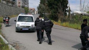Polisin 'dur' ihtarına uymayan ve polise yumruk atan kardeşlere 30 gün ev hapsi cezası