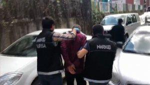 Sabaha karşı yapılan narkotik operasyonuna balkonlardan destek - Bursa Haberleri