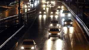Sokağa çıkma yasağının sona ermesinin ardından İstanbul'da trafik yoğunluğu yüzde 15 oldu
