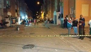Sokak ortasında silahlı dehşet: 1'i çocuk 2 yaralı