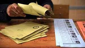 Son genel seçim anketinde 4 parti barajı geçti... İYİ Parti eriyor, MHP yükselişte