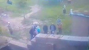 Sosyal mesafeyi gözetmeden silahla ev basanlara 22 bin lira ceza