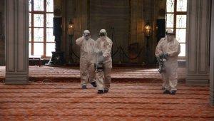 Sultanahmet Camii dezenfekte edildi