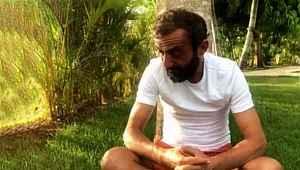 Survivor'dan elenen Ersin Korkut, gözyaşları içinde adaya veda etti