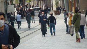 Taksim Meydanı ve İstiklal Caddesi bugün de doldu