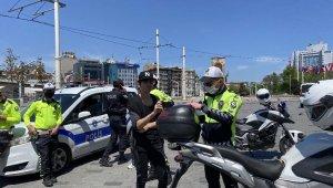 Taksim'de ceza kesilen vatandaş: