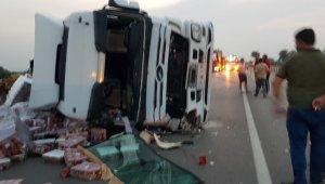Tır yan yattı Bursa yolu trafiğe kapandı - Bursa Haberleri