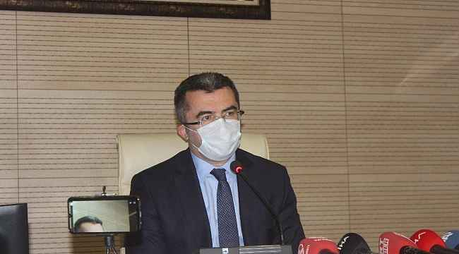 """Vali Memiş: """"Erzurum'da maskesiz sokağa çıkmak kesinlikle yasak"""""""