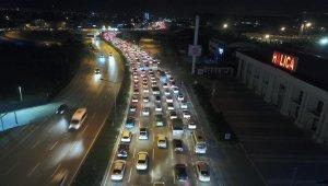 Yasak bitti, kilometrelerce araç kuyruğu havadan böyle görüntülendi - Bursa Haberleri