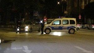 Yoğunluk fazla olunca caddeyi trafiğe kapattılar - Bursa Haberleri
