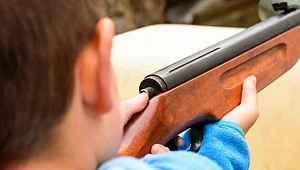 13 yaşındaki çocuk, tüfekle oynarken 10 yaşındaki arkadaşını öldürdü