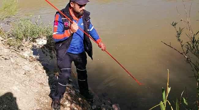 16 yaşındaki Azat Aras Nehri'nde kayboldu