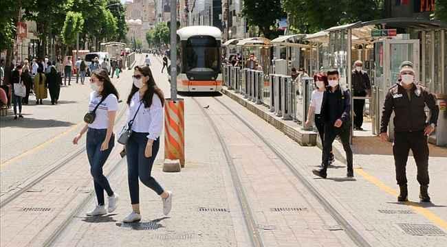 2 Şehir'de maskesiz sokağa çıkmak yasaklandı! Maskesiz sokağa çıkmanın yasak olduğu il sayısı 38'e yükseldi