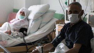 90 yaşındaki çift, plazma bağışı sayesinde koronayı yendi