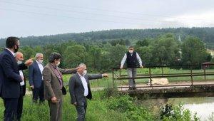 AK Partili vekiller Değirmencik Köprüsü'nde incelemelerde bulundu