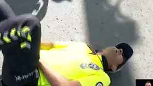 Ankara'da polis memuru, uyardığı vatandaşın saldırısına uğradı