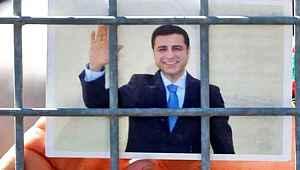 AYM'den Selahattin Demirtaş için sürpriz karar